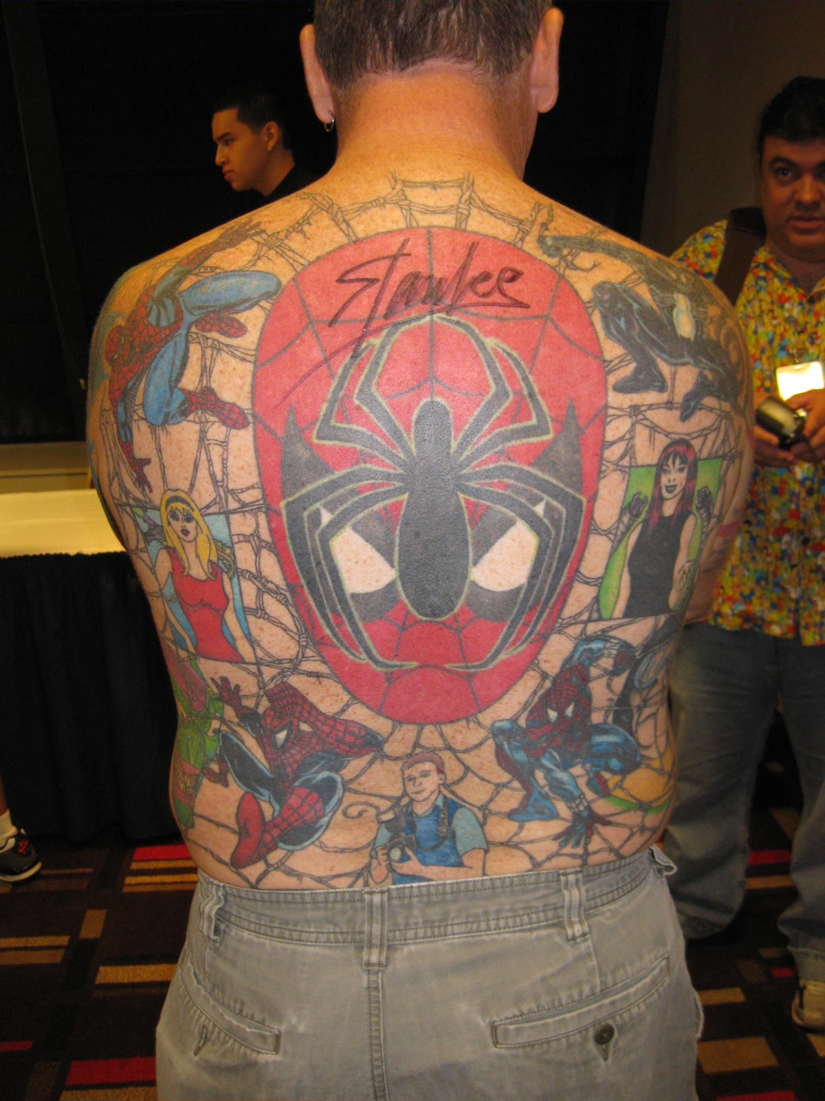 stan-lee-autographed-tatoo-back.jpg