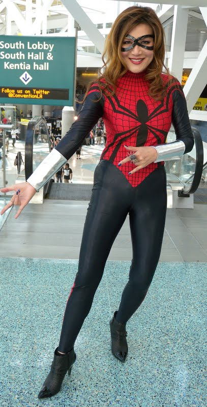 comikaze_expo_2012__los_angeles_convention_center_by_trivto-d5fhhbk