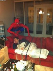 cosplay-spiderman-frat-prankster