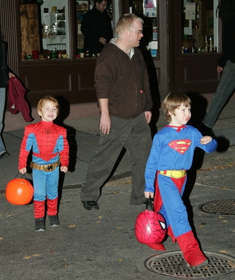 philip-seymour-hoffman-trick-treat-kids-superman-spiderman