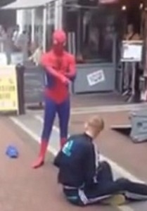 SpiderManStreetPerformerFight